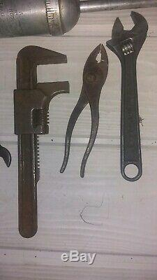 Original Willys MB Ford GPW JEEP JACK, Controlled Steel Wrenches, Alemite