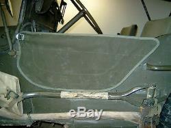 Willy's Jeep MB, Ford GPW, Türplanen, 2 Stück, 2. Variante, befestigt am Türgurt