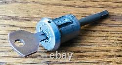 1932 Ford Door Lock Avec Key Vtg Extérieur Original Des Années 1930