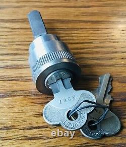 Cylindre De Verrouillage Des Années 1920 Avec Keys Vtg Début Adolescents Antiques