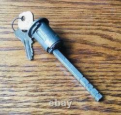 Cylindre De Verrouillage Mopar Door Des Années 1930 Avec Keys Vtg Nos